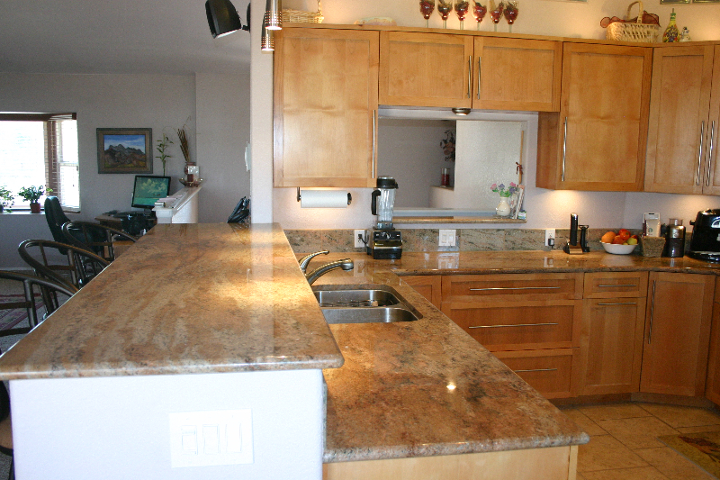 Granite counter top Jup Mocha with breakfast nook