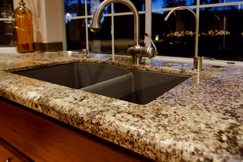 Granite counter top kitchen Sapharie