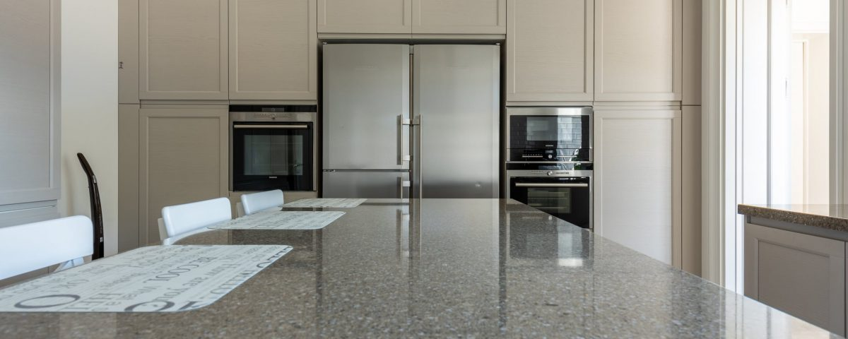 what is the difference between granite and quartz